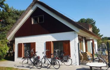 Kunststof topgevelplanken vakantiewoning buren Ameland